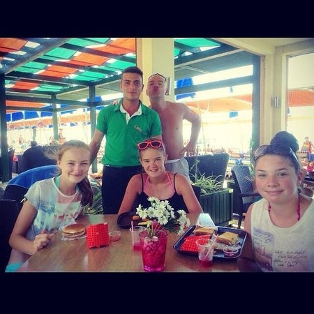 Limak Arcadia Golf & Sport Resort: The girls and me with Murat:)