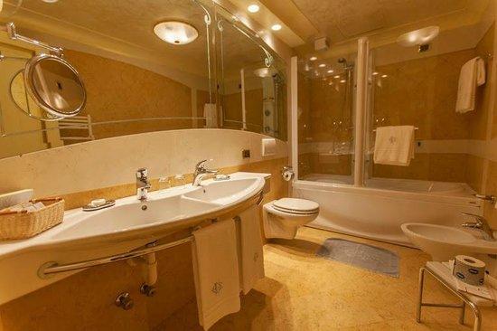 Hotel Colomba d'Oro: Bagno - Bathroom