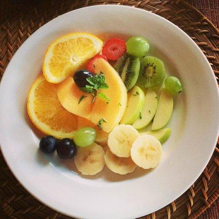 Elephant Hide of Knysna Guest Lodge : Fruit Salad