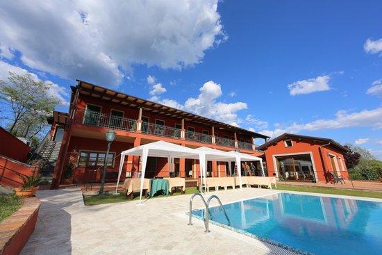 Hotel La Luna: un pomeriggio soleggiato..durante i preparativi di un evento