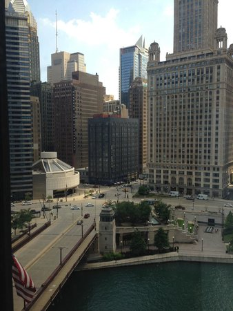 The Langham, Chicago: East view to Michigan Avenue and Wacker Drive on the South