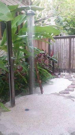 GoldenEye: outside shower