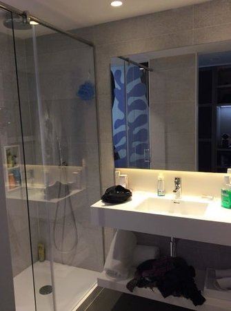 H10 Art Gallery : salle de bain
