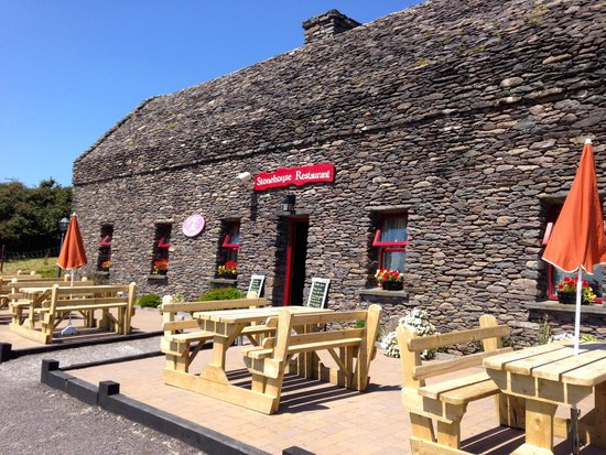 The Stonehouse Restaurant: Even the roof is stone!