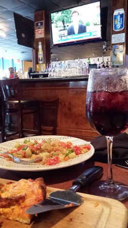 Romansa Cafe Restaurant: great happy hour