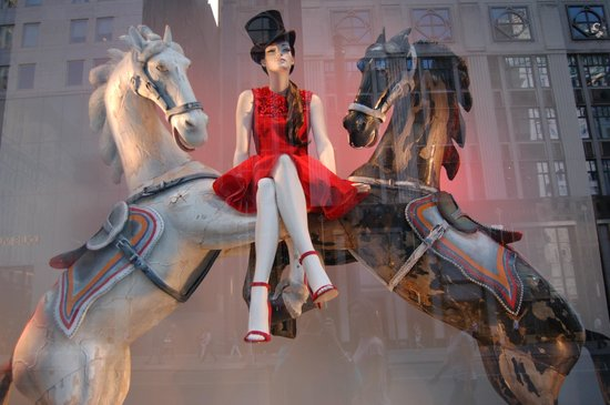 Bergdorf Goodman : One of their current windows