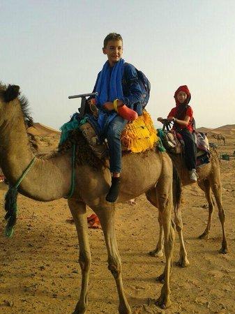 Viajes Marruecos 4x4: Paseo en los camellos
