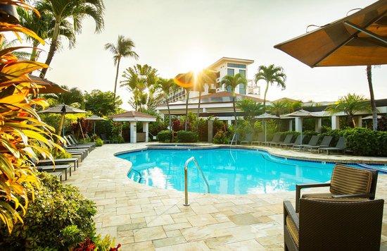 Maui Coast Hotel: Swiiming Pool