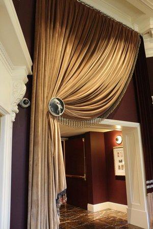 Kimpton Hotel Monaco Philadelphia: Elevator area