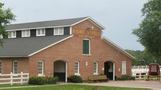 Fort Robinson State Park: Fort Robinson Riding Stables