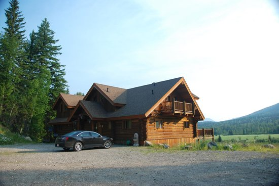 Clearwater Springs Ranch : Front of the home.