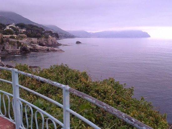 Passeggiata Anita Garibaldi a Nervi: il monte di portofino
