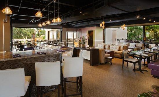 Maui Coast Hotel: 'ami 'ami Bar & Grill
