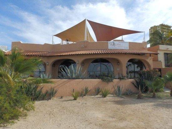 Casa Kootenay Waterfront Bed and Breakfast: Beachfront View