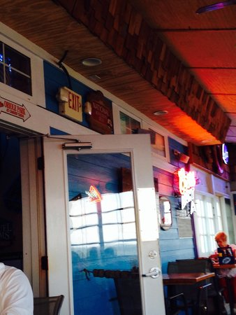 Dead End Saloon and Fish Factory: Inside the restaurant