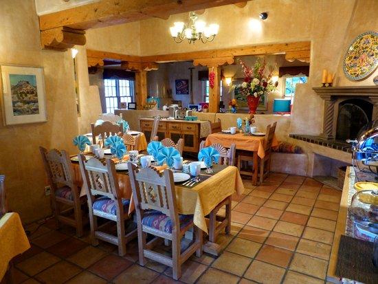 El Farolito B&B Inn: Delighful Breakfast room