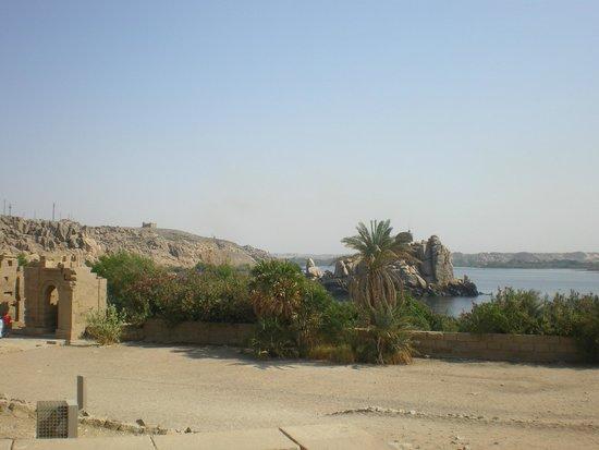 Temple de Philæ : Visual do lago visto do templo