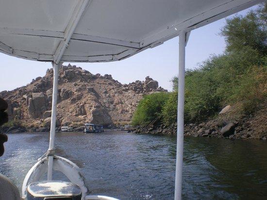 Temple de Philæ : chegando a Ilha no barco