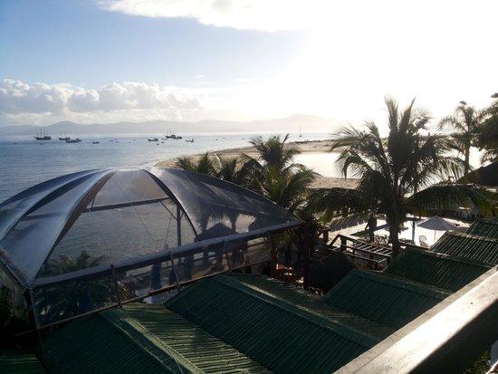Costa Norte Ponta Das Canas Hotel Florianopolis: Vista do quarto de frente para o mar.