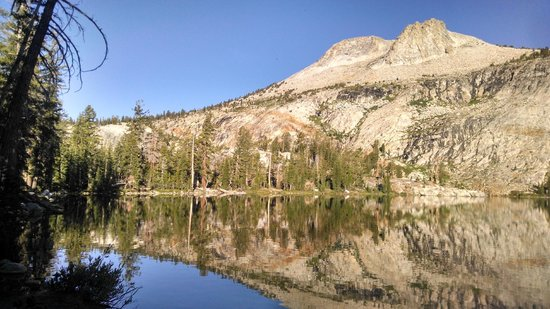 Yosemite High Sierra Camps: May Lake