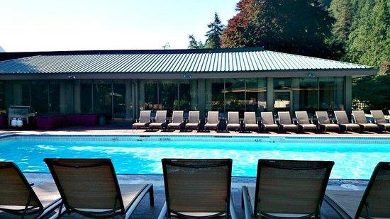Harrison Hot Springs Resort & Spa: Hot pool