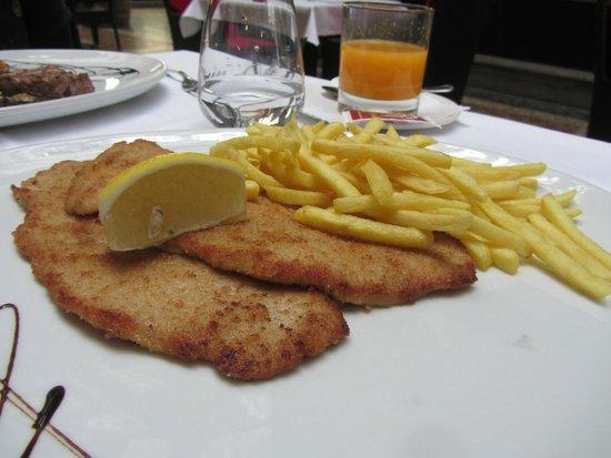 Trattoria - Pizzeria Galleria: Wiener schnitzel - good choice