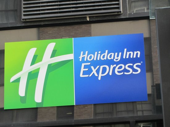 Holiday Inn Express Manhattan Midtown West : Hotel sign