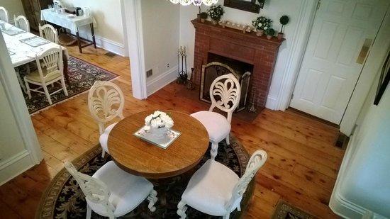 Woodruff Manor Bed & Breakfast : Sitting Room