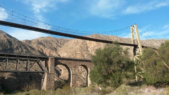 Puente colgante picture of cacheuta mendoza tripadvisor for Hotel puente colgante