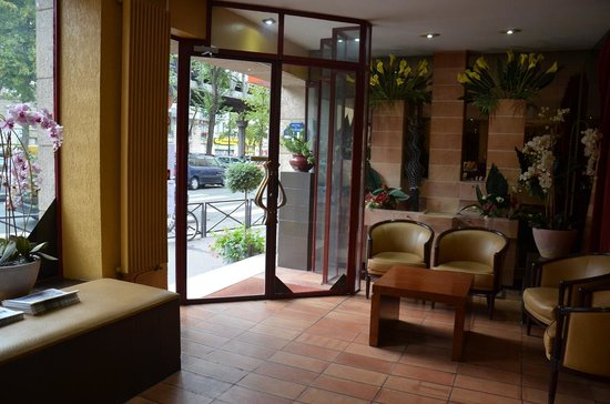 Hotel Eiffel Segur : Recepcion
