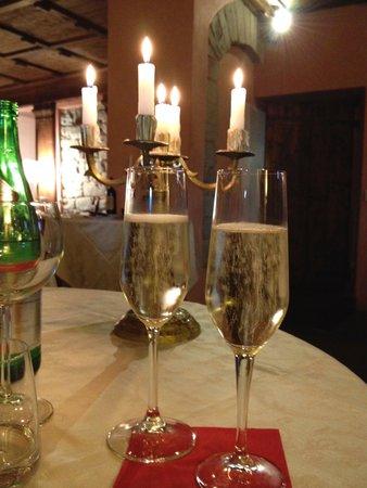 Castello di Petroia: Dining room