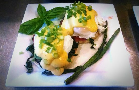 Makanda Inn & Cottages: eggs benny
