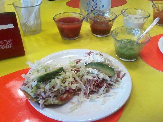 Tostadas de Coyoacan : De ceviche y salpicón