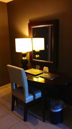 Wild Horse Pass Hotel & Casino: desk