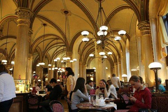 Cafe Central Wien: Cafe Central Hall