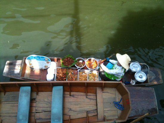 Damnoen Saduak Floating Market: Freshly cooked