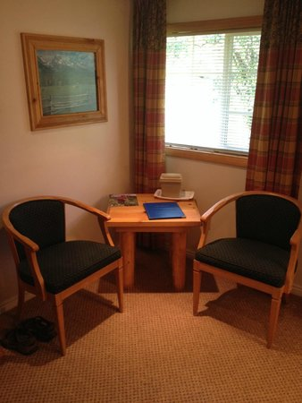 The Nordic Inn: Seating area in the room