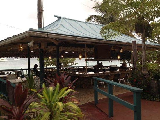 Island Beachcomber Hotel: Hotel bar