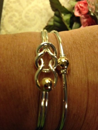 Dennis, MA : My new fisherman knot bracelet from eden hand arts