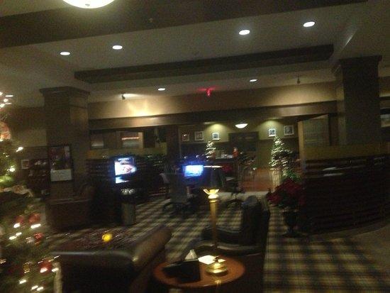 Sheraton Jacksonville: Lobby and Restaurant
