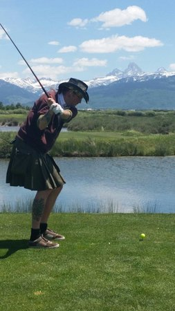 The Links Golf Course: How the locals do it!