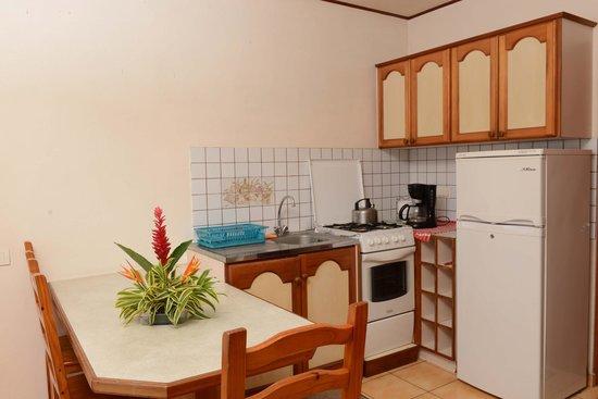 Hiti Moana Villa : studio avec cuisine
