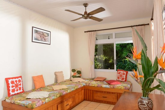 Hiti Moana Villa : Studio avec cuisine/ salon