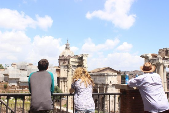 Easitalytours: Family on tour in Rome