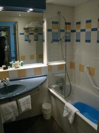 Riva Bella Hotel : banheiro do dormitório