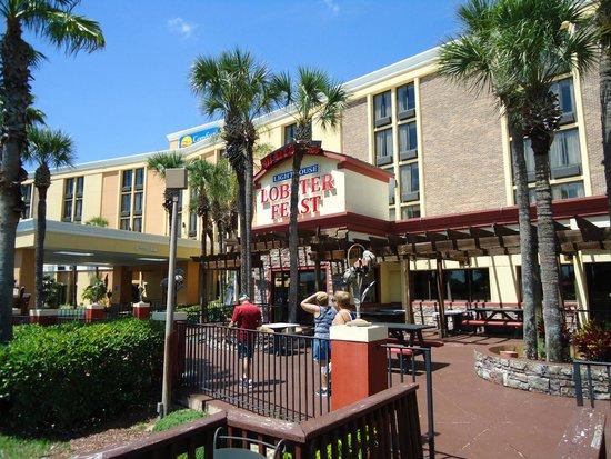 Ramada Kissimmee Gateway: frente del hotel