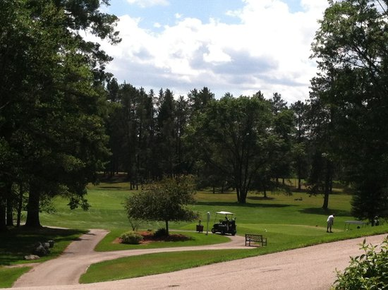 The Four Seasons Island Resort : Golf couse