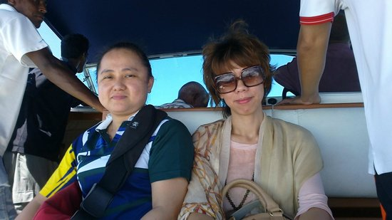 Asdu Sun Island: The starlet and her friend from China Haikou