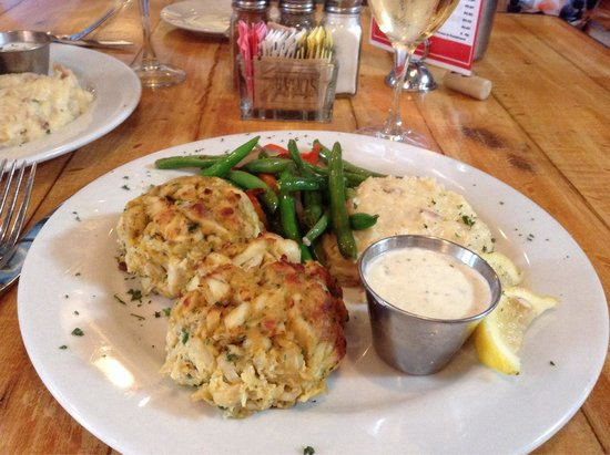 Boatyard Bar & Grill : Best crab cakes ever!