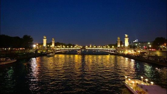 Pont Alexandre III: River Seine